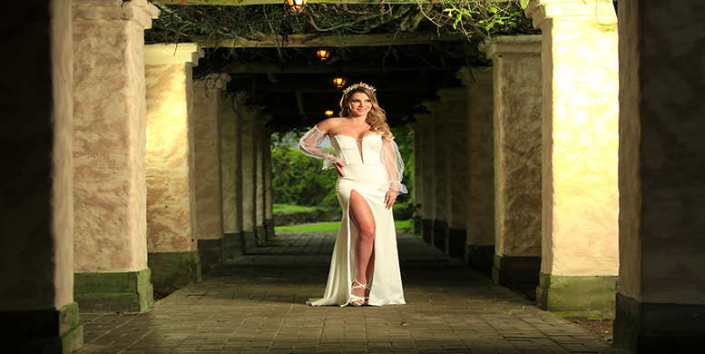Alexandra Hörler posa para las cámaras vestida de novia