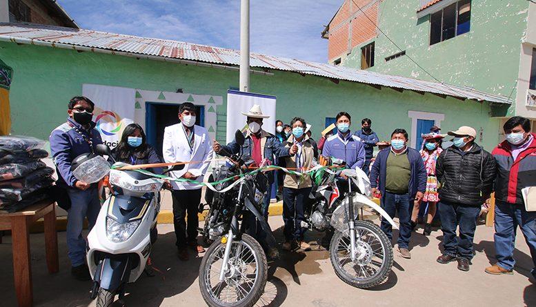 Antapaccay entregó vehículo de transporte y tractor agrícola equipo a la comunidad Alta Huarca
